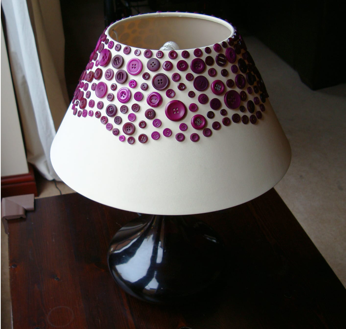 Make a lampshade - with buttons! | Craftaholique