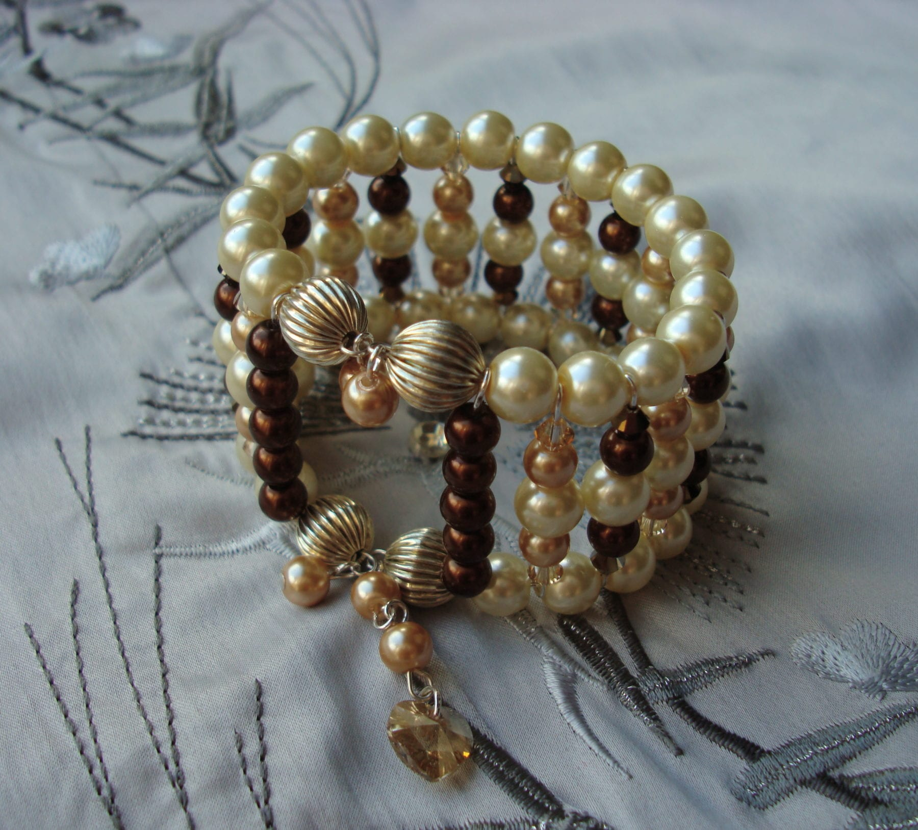Memory Wire Bracelets Using Glass Pearls And Swarovski Crystals ...