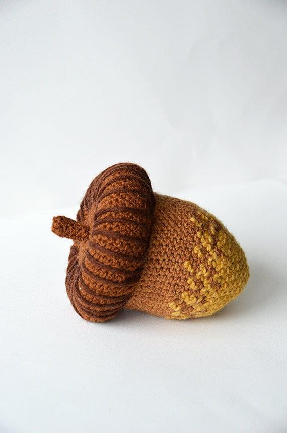 Crochet Acorn Pattern for Autumn / Fall - Handmade Showcase