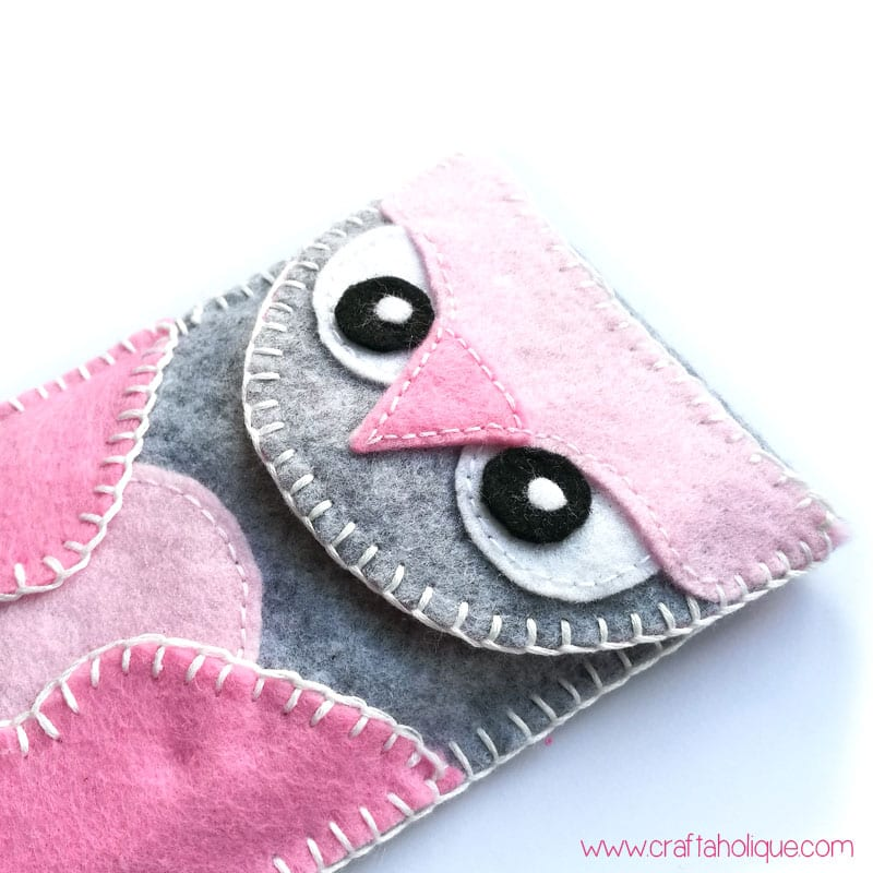 How to make a felt owl phone case - easy sewing project with blanket stitch edge