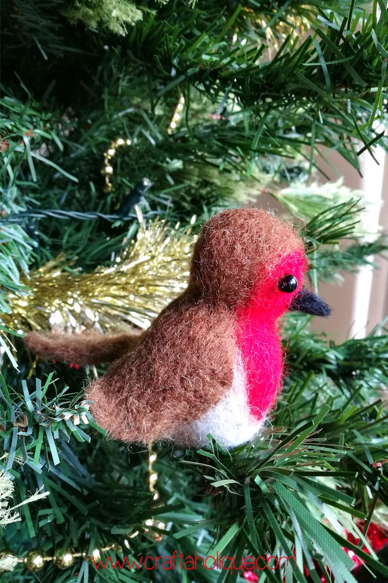 How to make a needle felted robin - introduction to needle felting