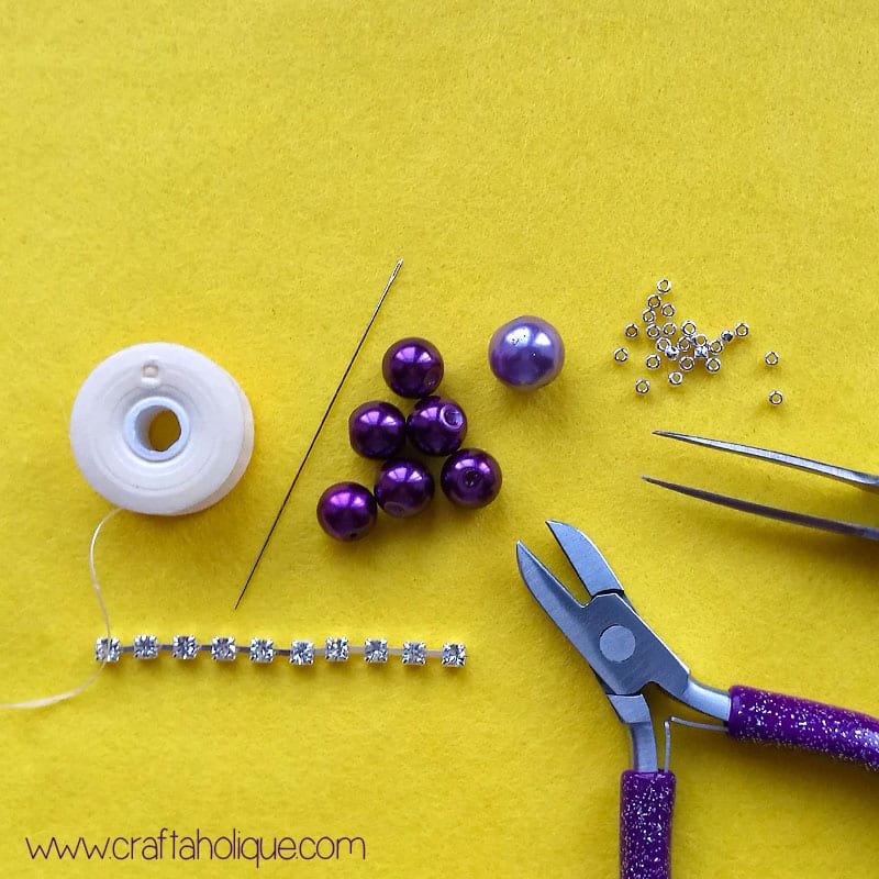 how to make a beaded flower - with glass pearls and sparkly rhinestone cupchain