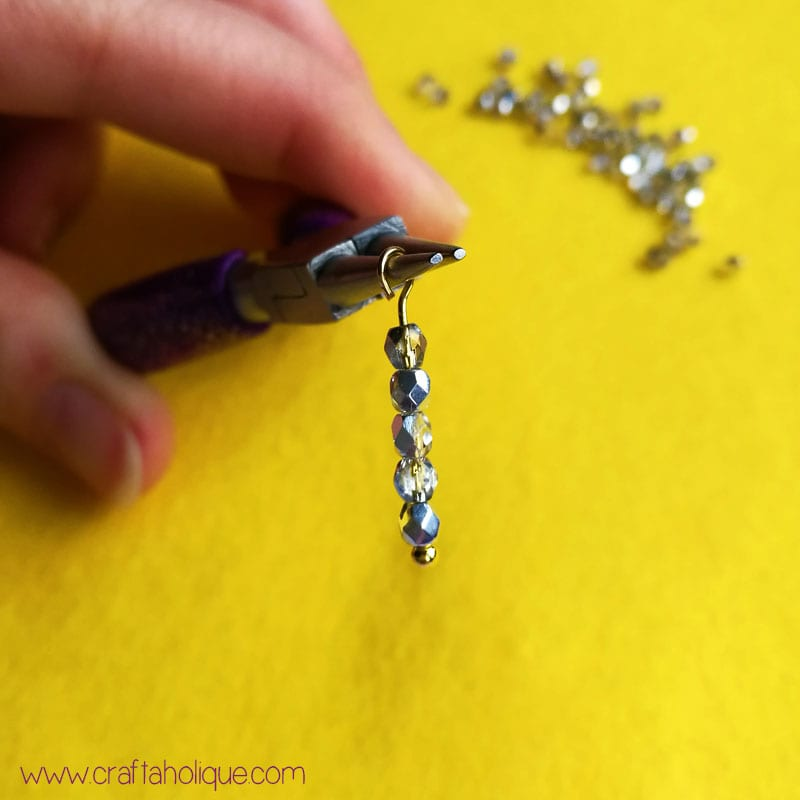 Easy earrings project: how to make waterfall earrings using glass beads and chain