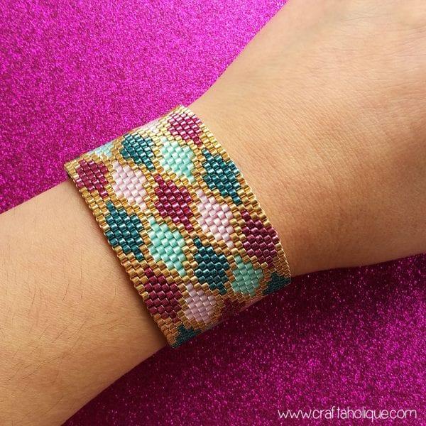 Make it! Peyote Stitch Cuff Bracelet – Colourful Argyle Pattern