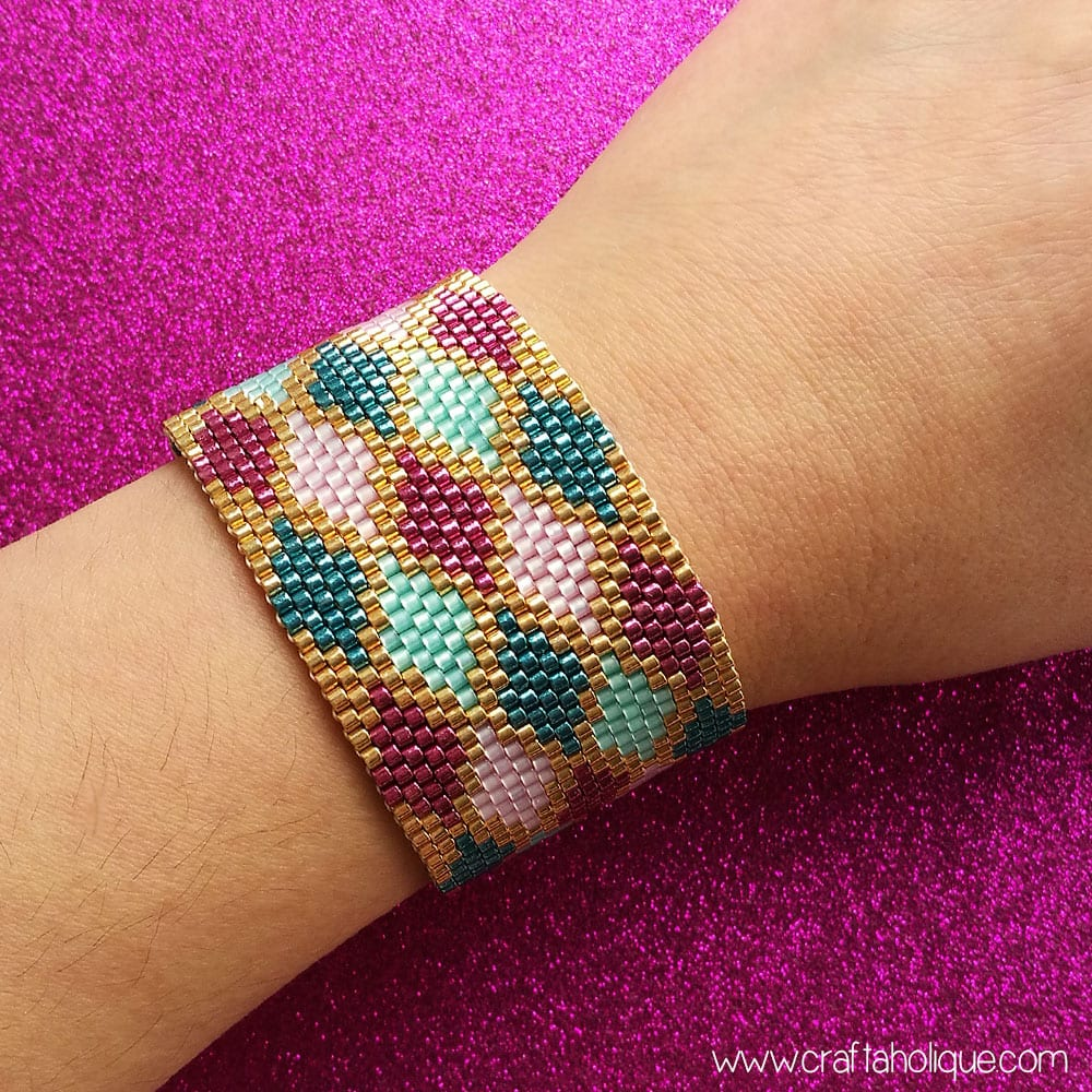 Peyote Stitch Cuff Bracelet Pattern - Colourful Argyle Diamonds - Miyuki Beaded Bracelet Pattern