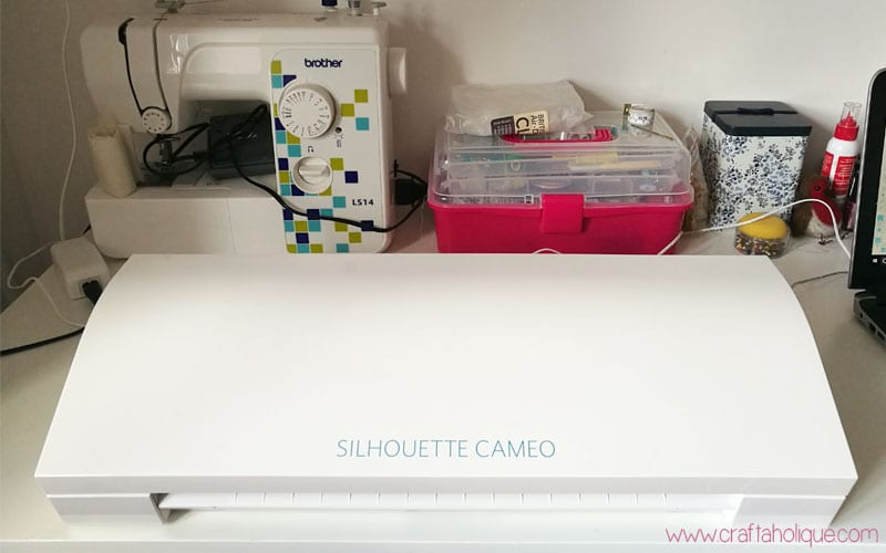 How to use the Silhouette Cameo - a detailed guide from Craftaholique
