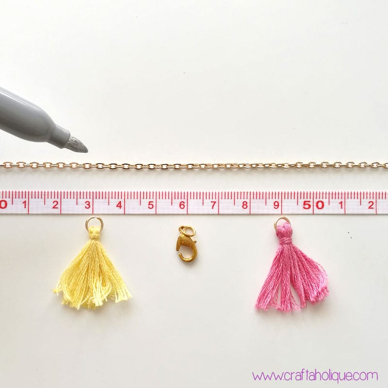How to make a tassel necklace - summer jewellery DIY from craftaholique