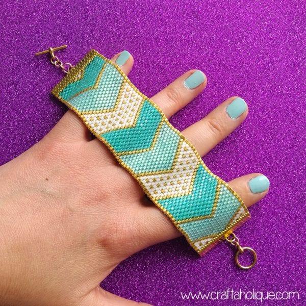 Pretty Chevrons Peyote Stitch Bracelet Pattern
