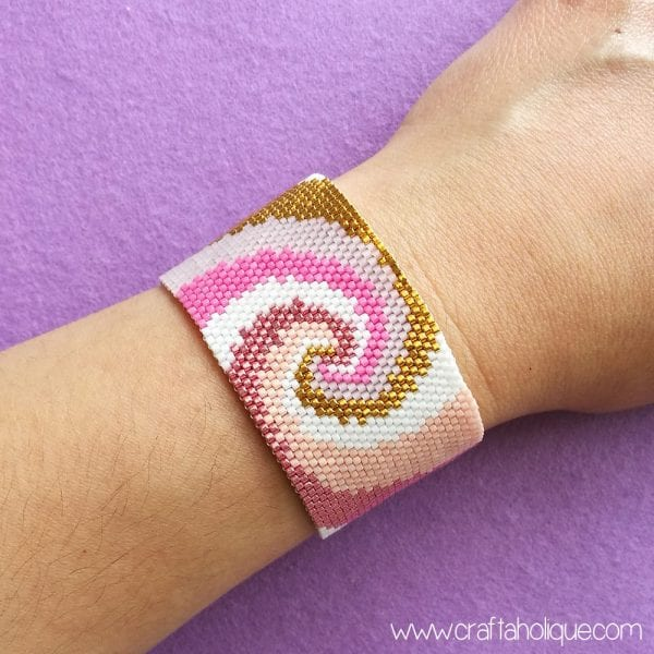 Spiralling – Gorgeous Peyote Stitch Bracelet Pattern