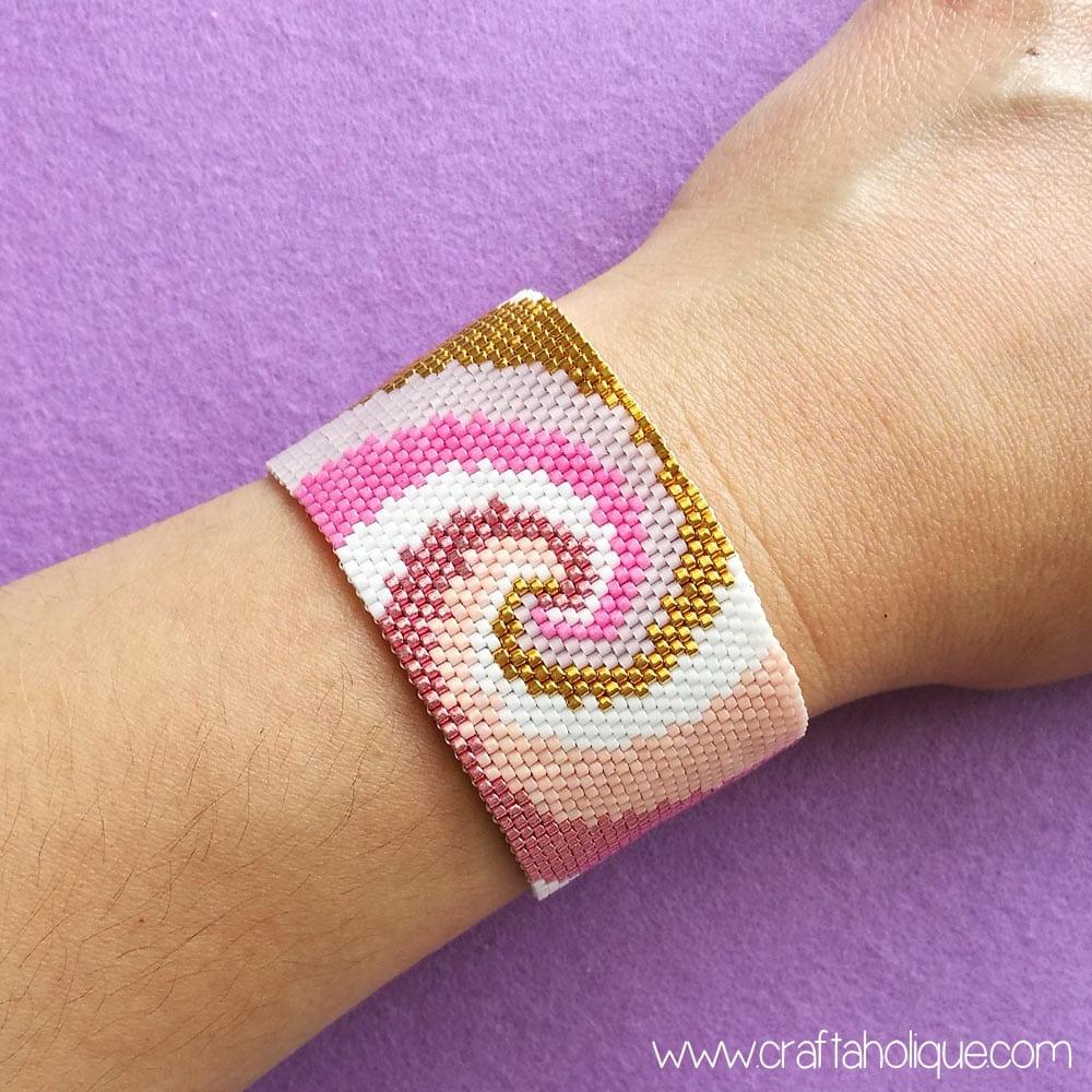 Contemporary Spiral Peyote Stitch Pattern by Craftaholique
