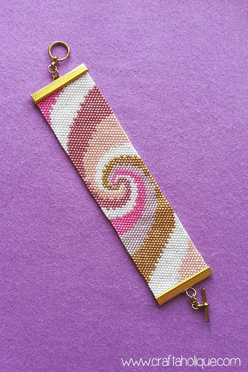 Flat Event Count Peyote Stitch - Spiral Design by Craftaholique
