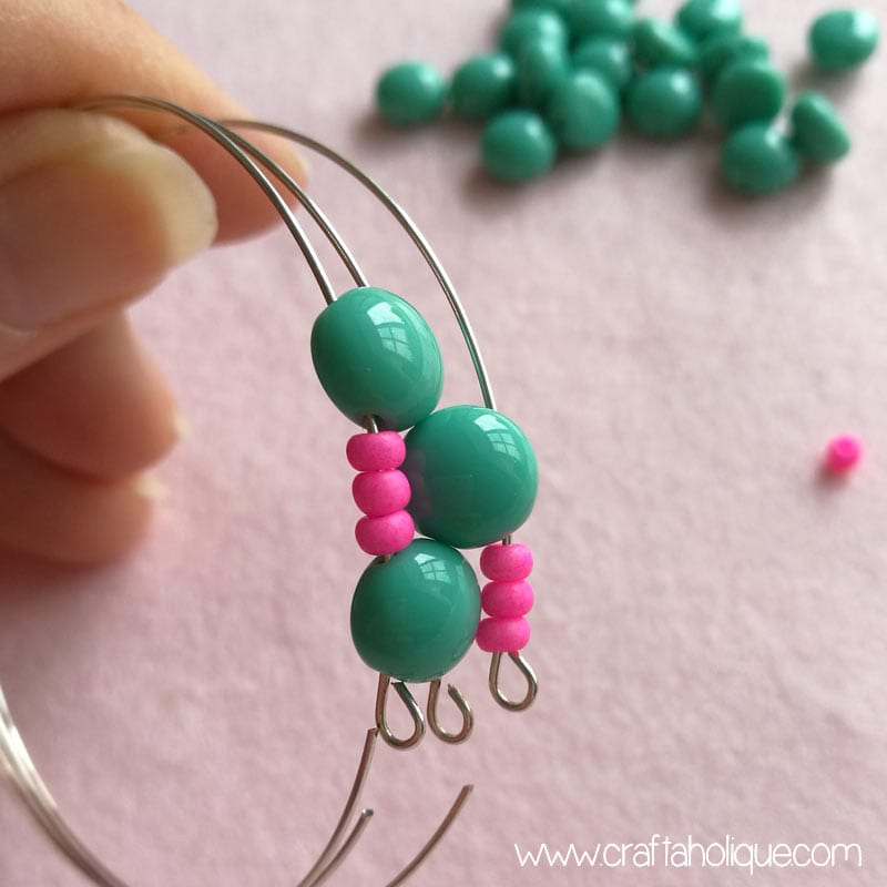 Candy bead and memory wire bracelet tutorial