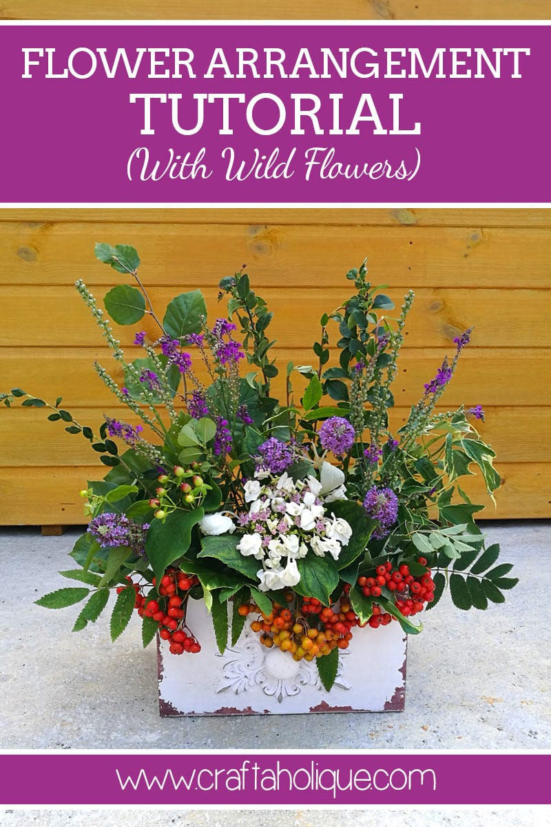 How to make a flower arrangement using wild flowers