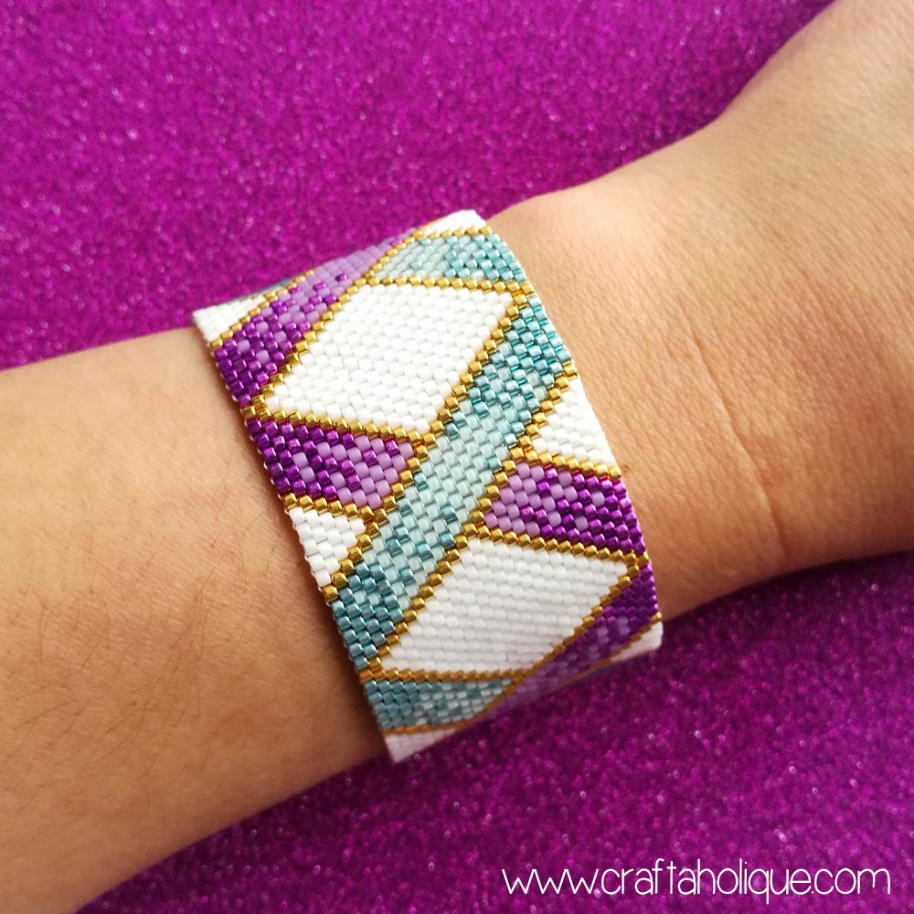 Peyote stitch bracelet pattern by Craftaholique - ombre ribbons