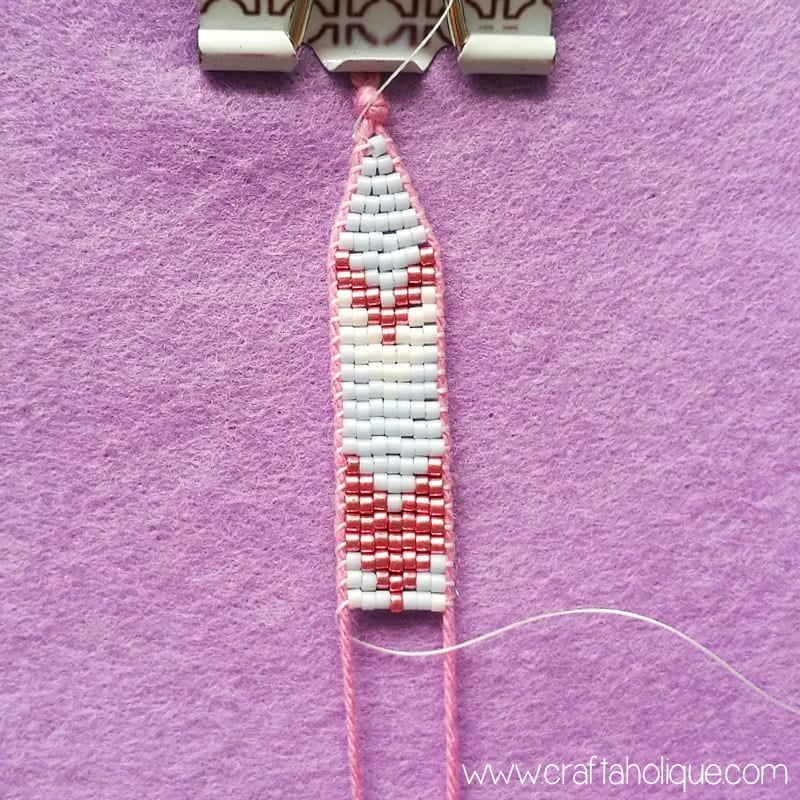 Pretty chevron beaded earrings tutorial by Craftaholique