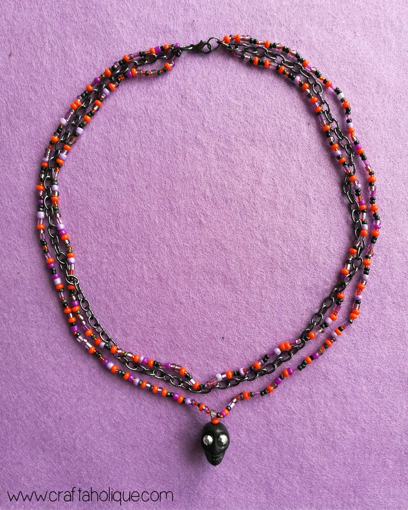 Halloween Beaded Necklace with Skull Pendant Tutorial