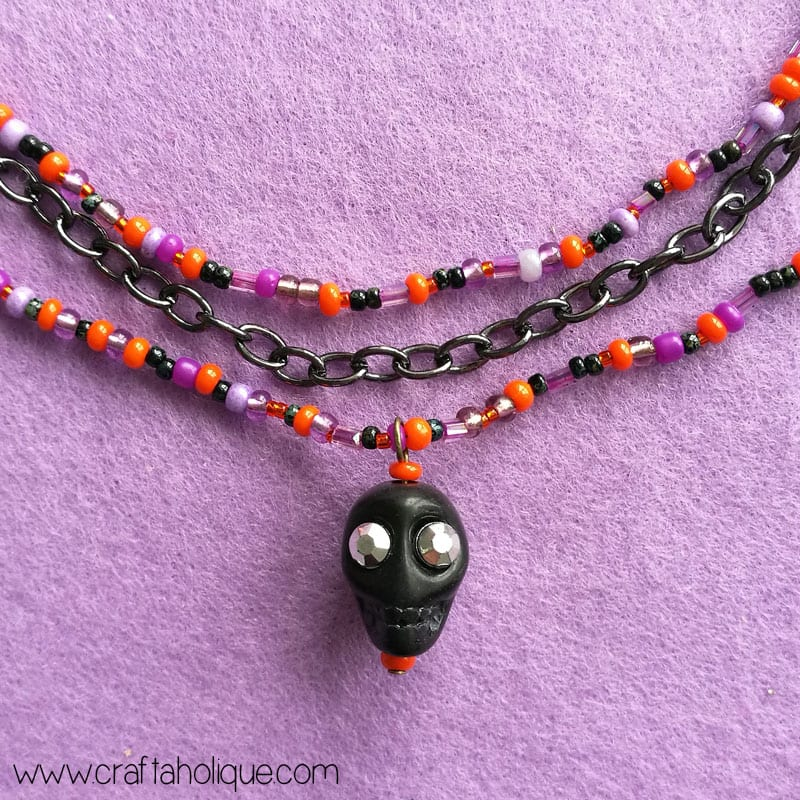Halloween Necklace DIY - Beaded Skull Necklace Tutorial