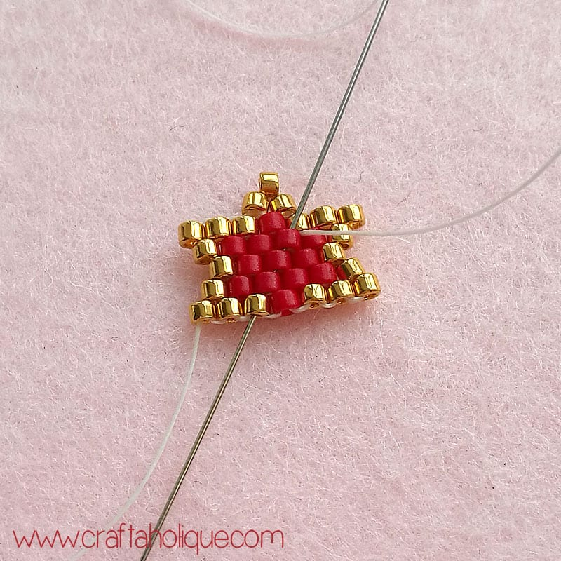 How to make brick stitch star earrings - tutorial by Craftaholique