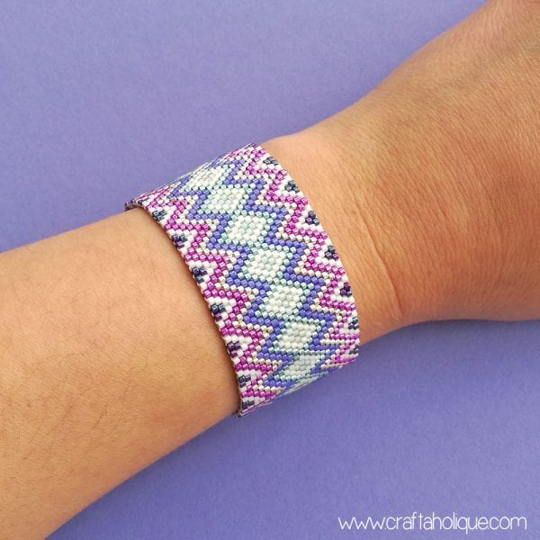Zig Zag Jazz – New Peyote Stitch Bracelet Pattern