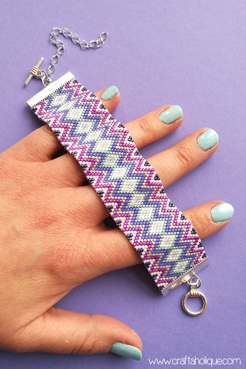 Zig Zag Peyote Stitch Bracelet Pattern by Craftaholique