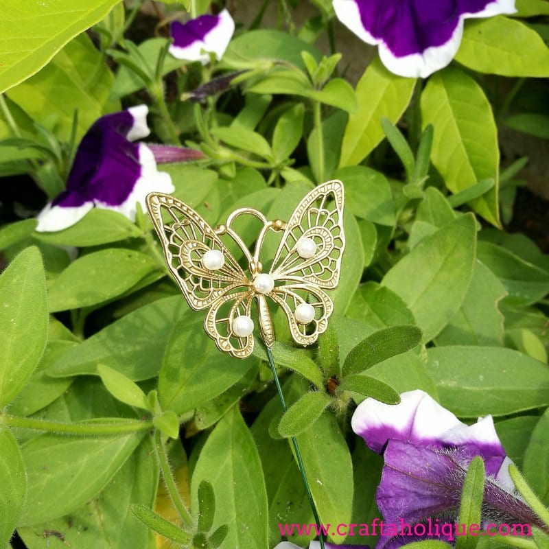 Butterfly garden decor tutorial by Craftaholique