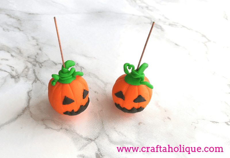 How to make pumpkin earrings for Halloween