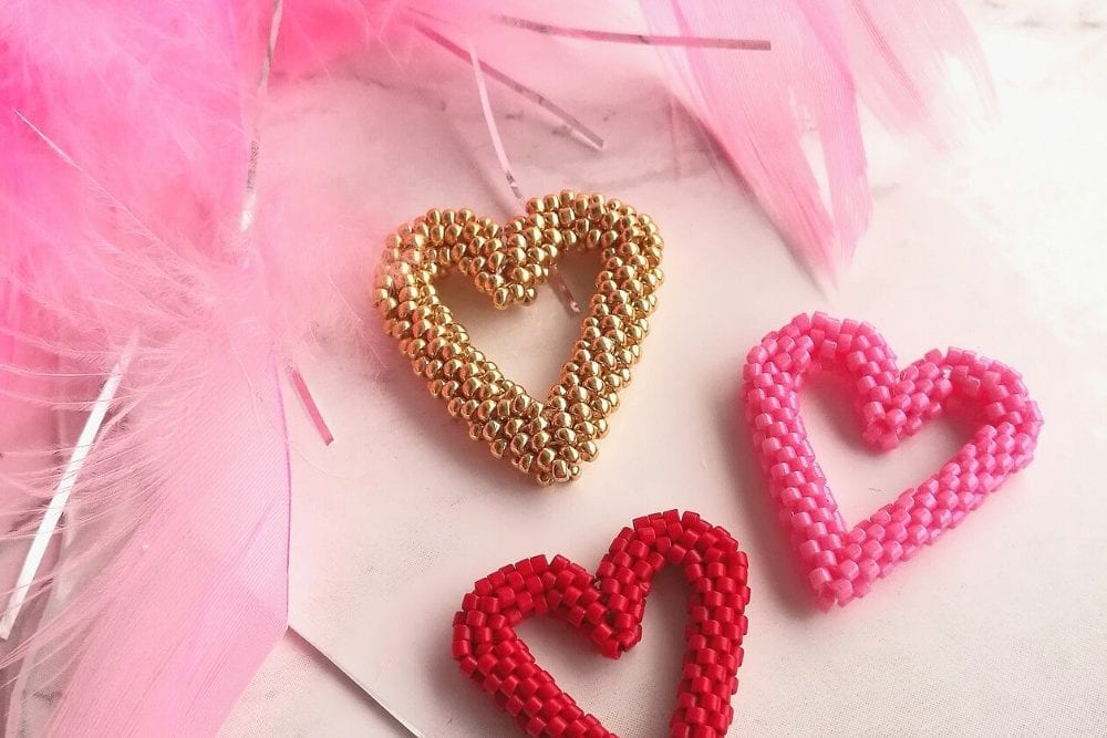 3D beaded heart beadweaving project