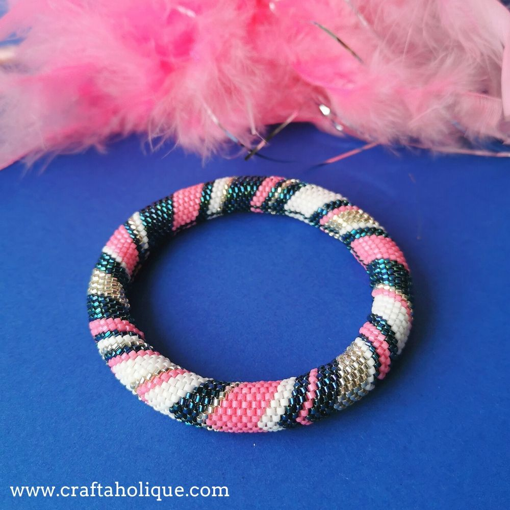 Chevron tubular peyote pattern to make a beaded bangle