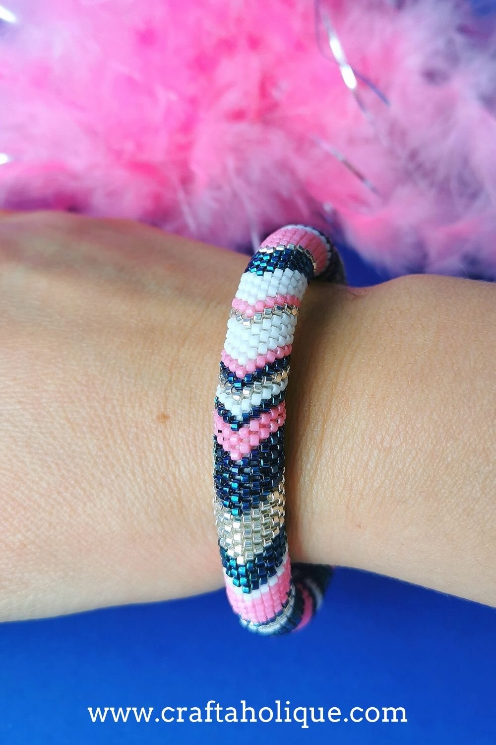 Even count tubular peyote bracelet pattern - makes a seamless beaded bangle